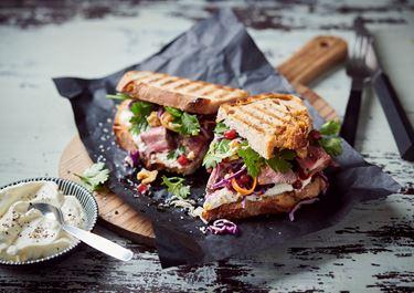 Steak Sandwich mit Arla Buko® der Sahnige