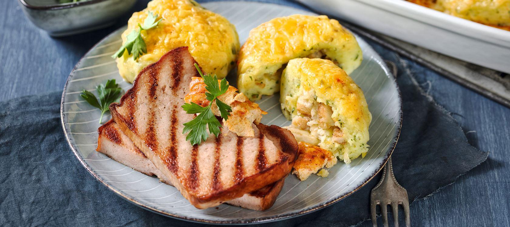 Überbackene Kartoffelknödel mit Leberkäse mit Finello® Ofenkäse