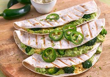 Grüne Arla Buko® Jalapeño-Quesadilla mit Brokkoli