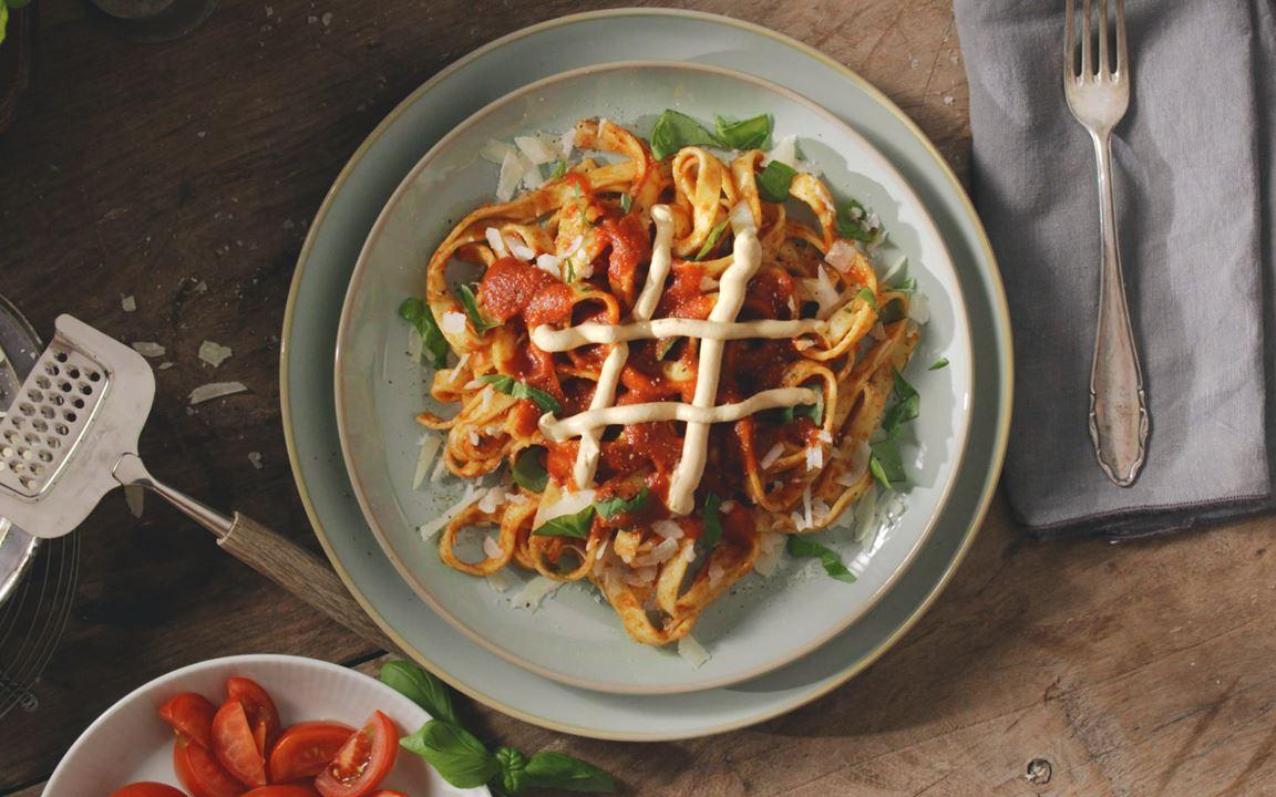 Tagliatelle mit Arla Buko® Tomate & Mediterrane Kräuter