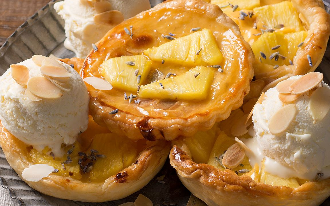 Arla Buko® Ananas-Lavendel-Tartelette