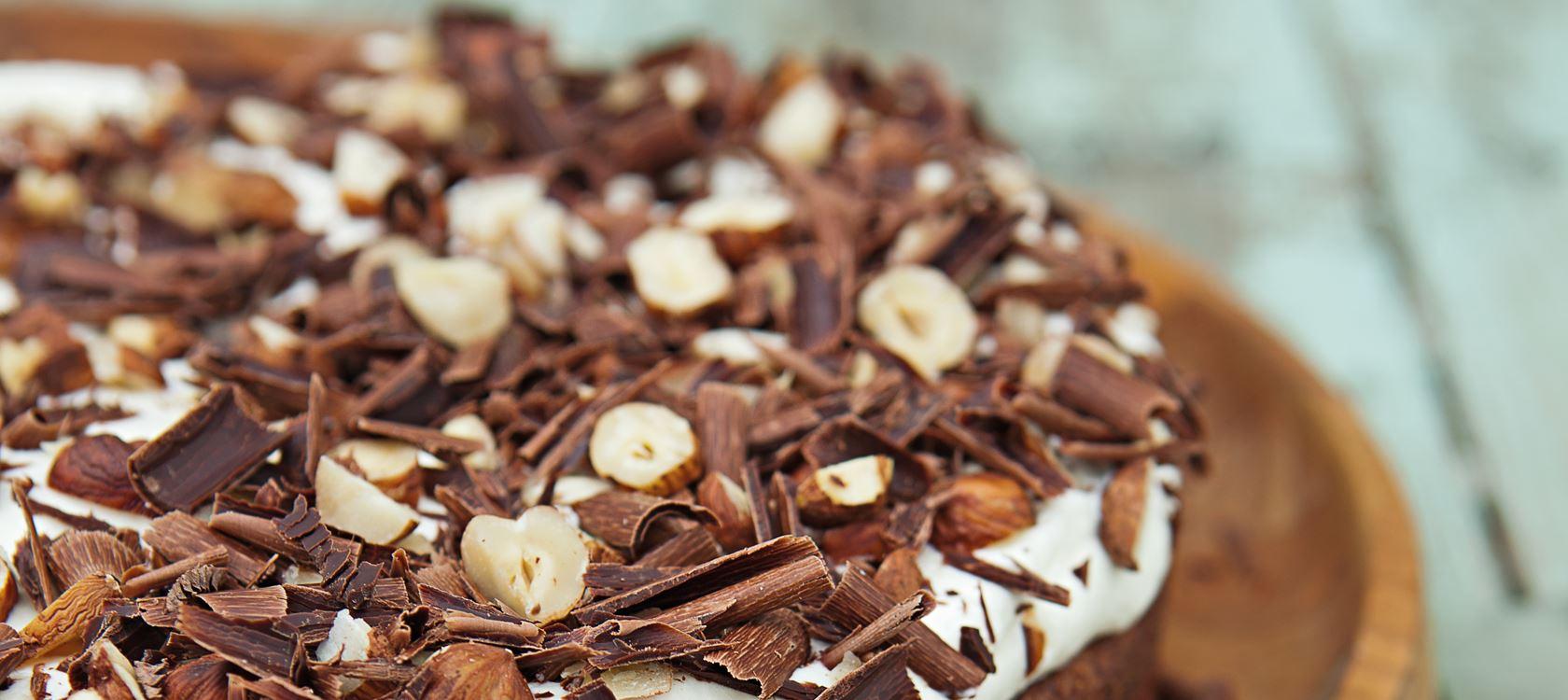 Schokoladentorte mit Nusssahne