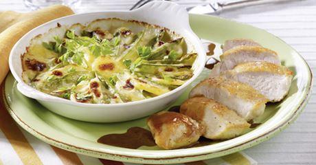 Kartoffel-Zuckerschoten-Gratin mit Käsesoße