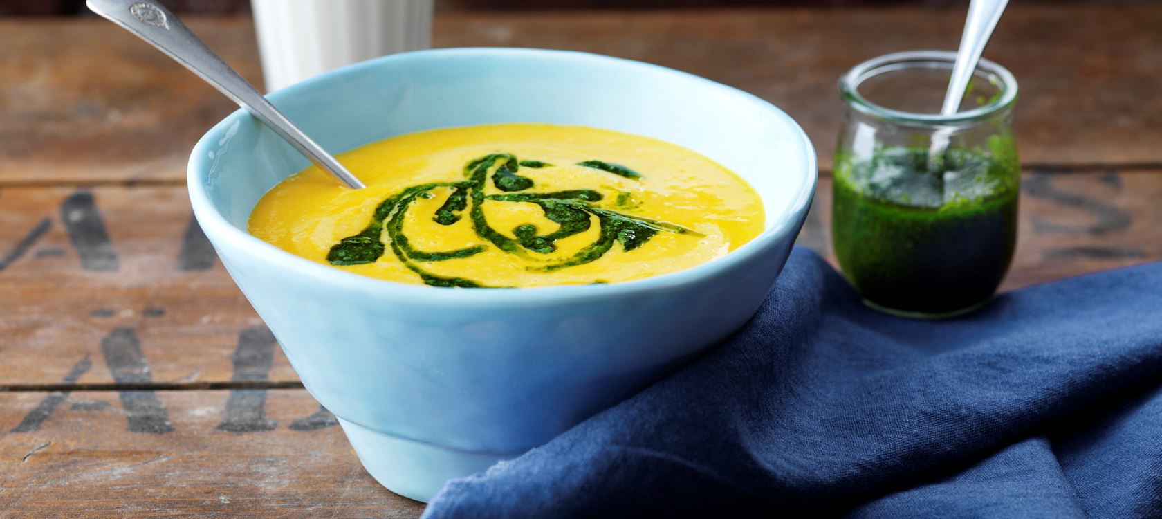 Herbstliche Wurzelgemüse-Suppe mit Arla Buko®