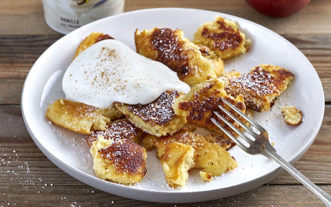 Arla® Skyr Vanille Schmarrn mit Bratapfel-Kompott