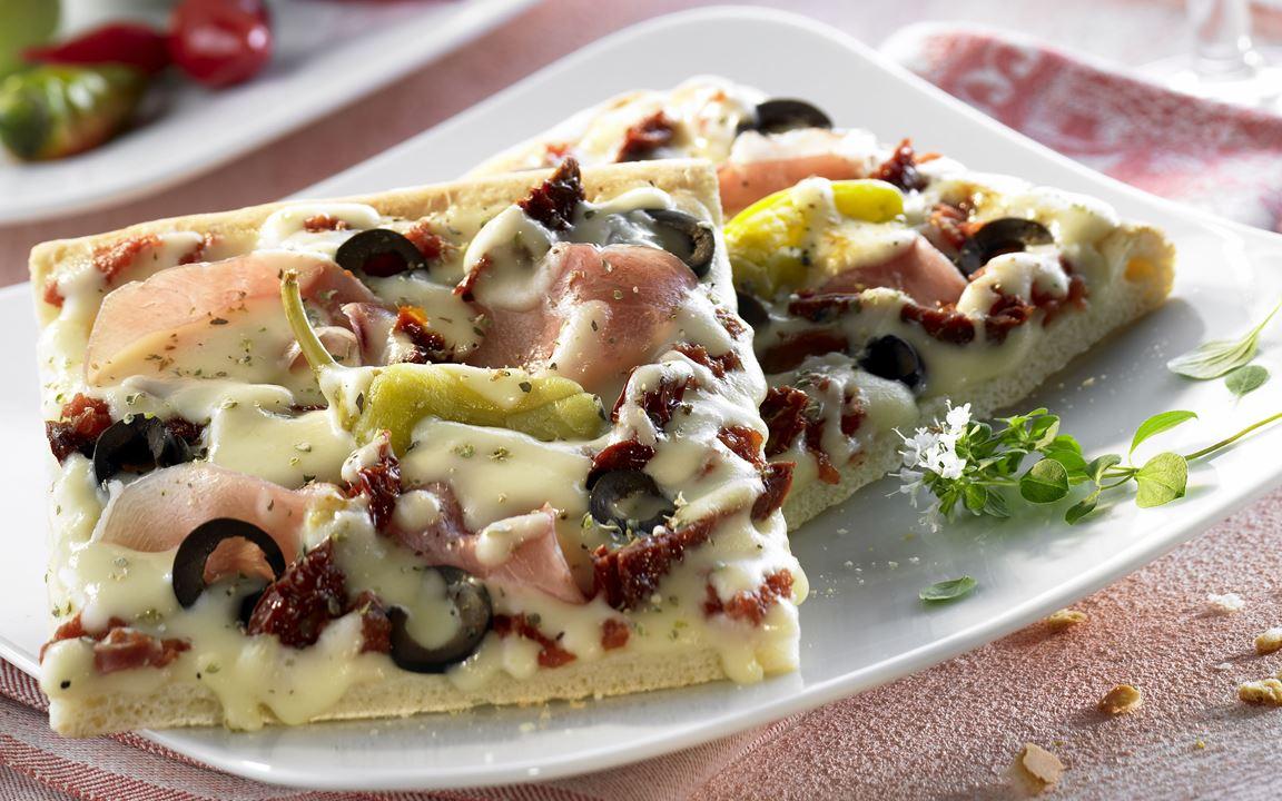 Pizza Mediterrano mit Finello® Pizzakäse