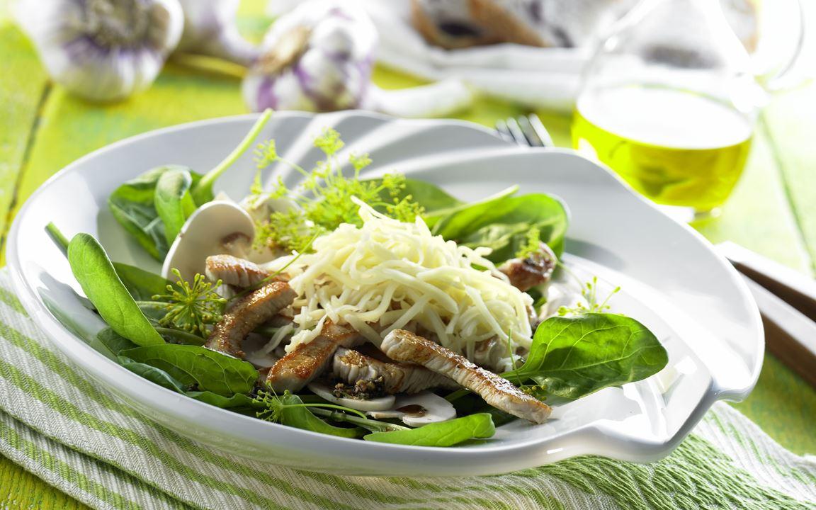 Spinatsalat mit Putenbruststreifen mit Finello® Light