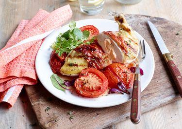 Gefüllte Hühnerbrust mit Eiertomaten vom Grill