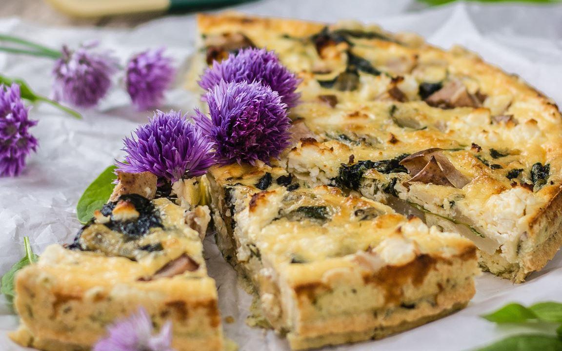 Spinat-Tarte mit Schafskäse und Birne