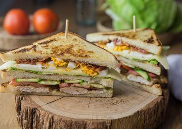 Club Sandwich mit Arla® Svensø