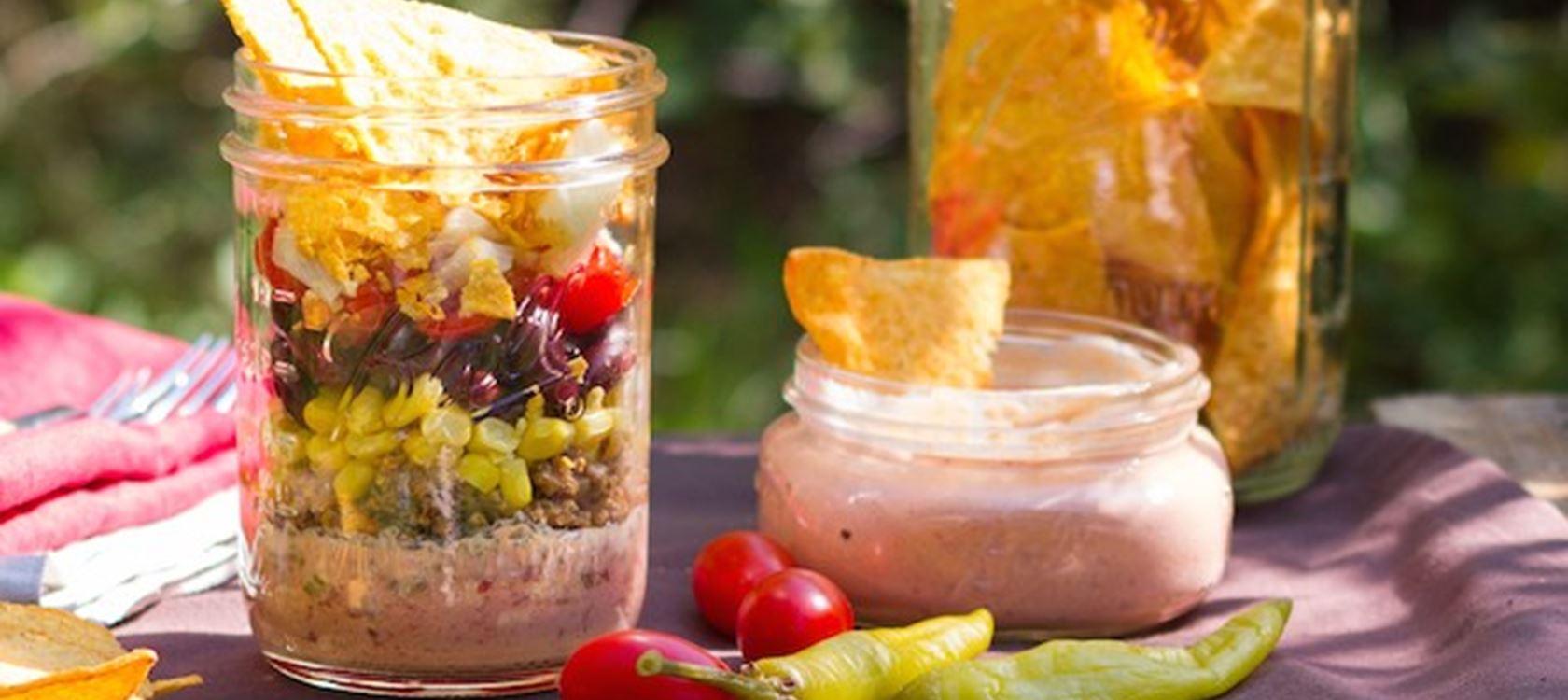 Mexikanischer Nacho Salat Im Glas Rezept Arla Foods