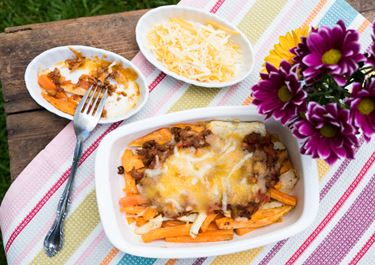 Überbackene Low Carb Gemüsepommes mit Hackfleisch und Finello® Ofenkäse