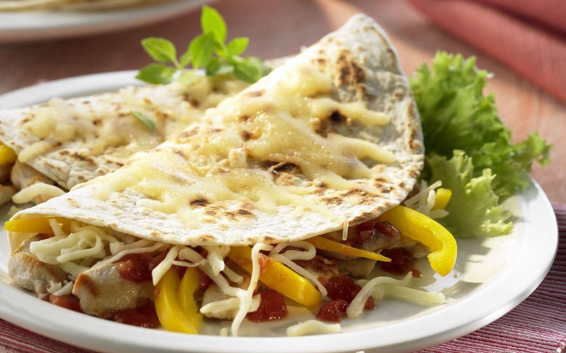 Mexikanische Tortillas mit Finello® Pizzakäse