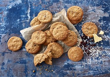 Cookies med hvid chokolade, lakrids og tranebær
