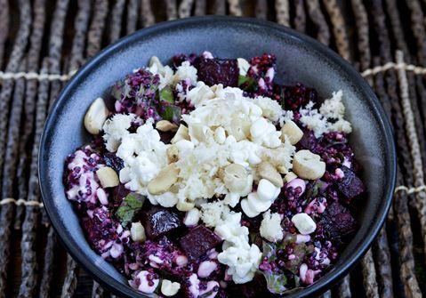 Quinoa-otto med hytteost og bagte rødbeder