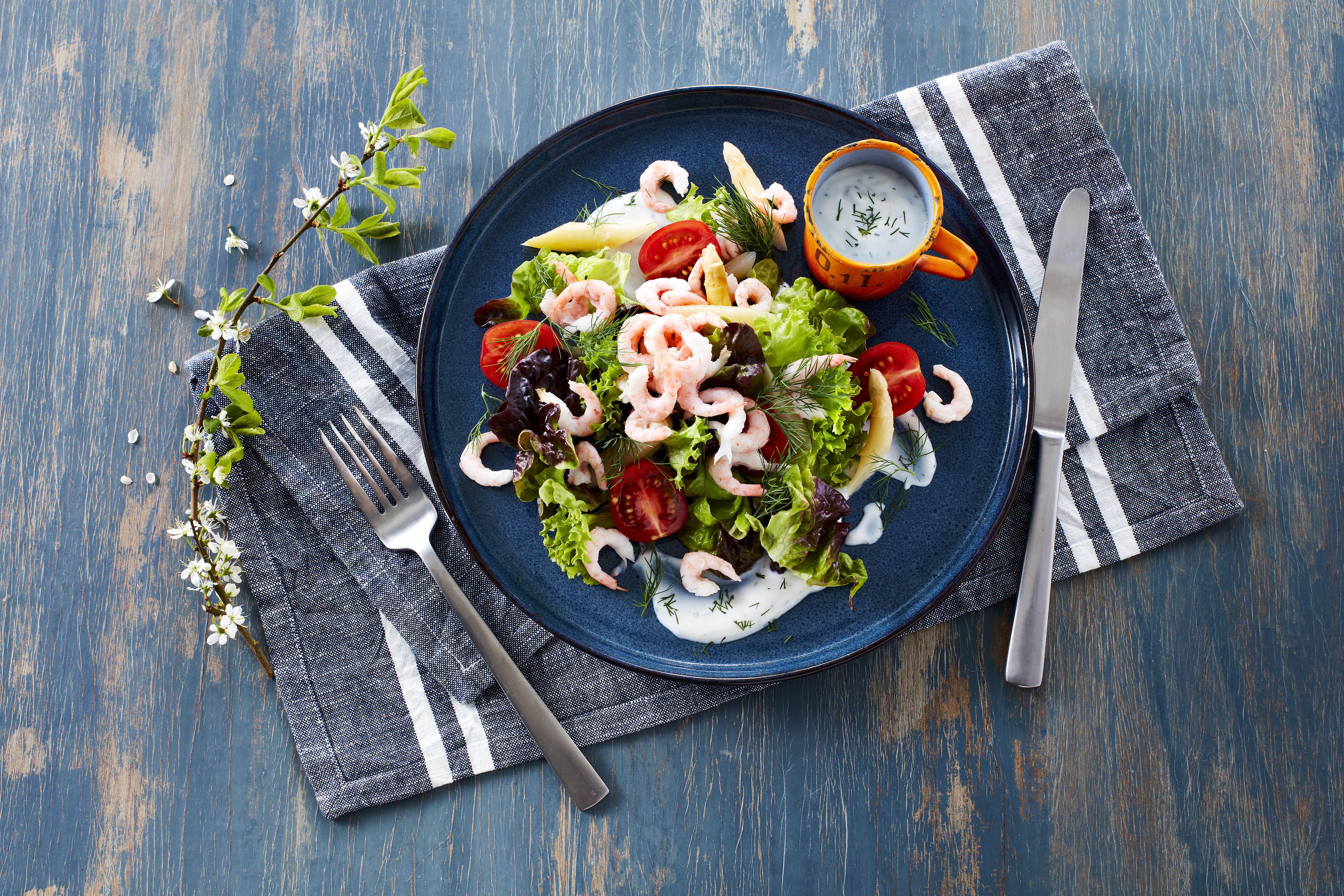 Rejesalat og asparges