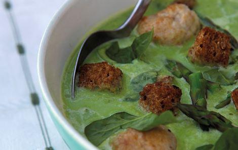 Grøn ærte- og aspargessuppe