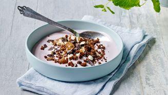 Skyr-yoghurt med rugdrys