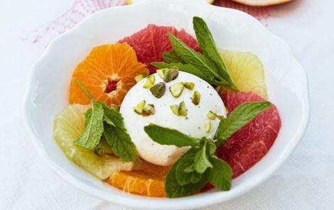 Citrussalat med kardemommeis