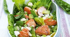 Grøn salat med laks