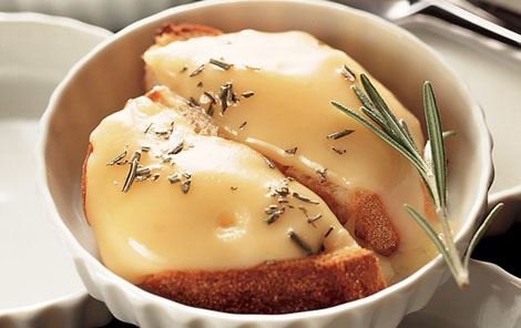 Lun ost med rosmarin og ahornsirup