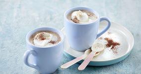Varm kakaomælk med flødeskum