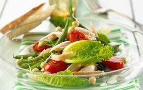 Lun salat med røget kylling