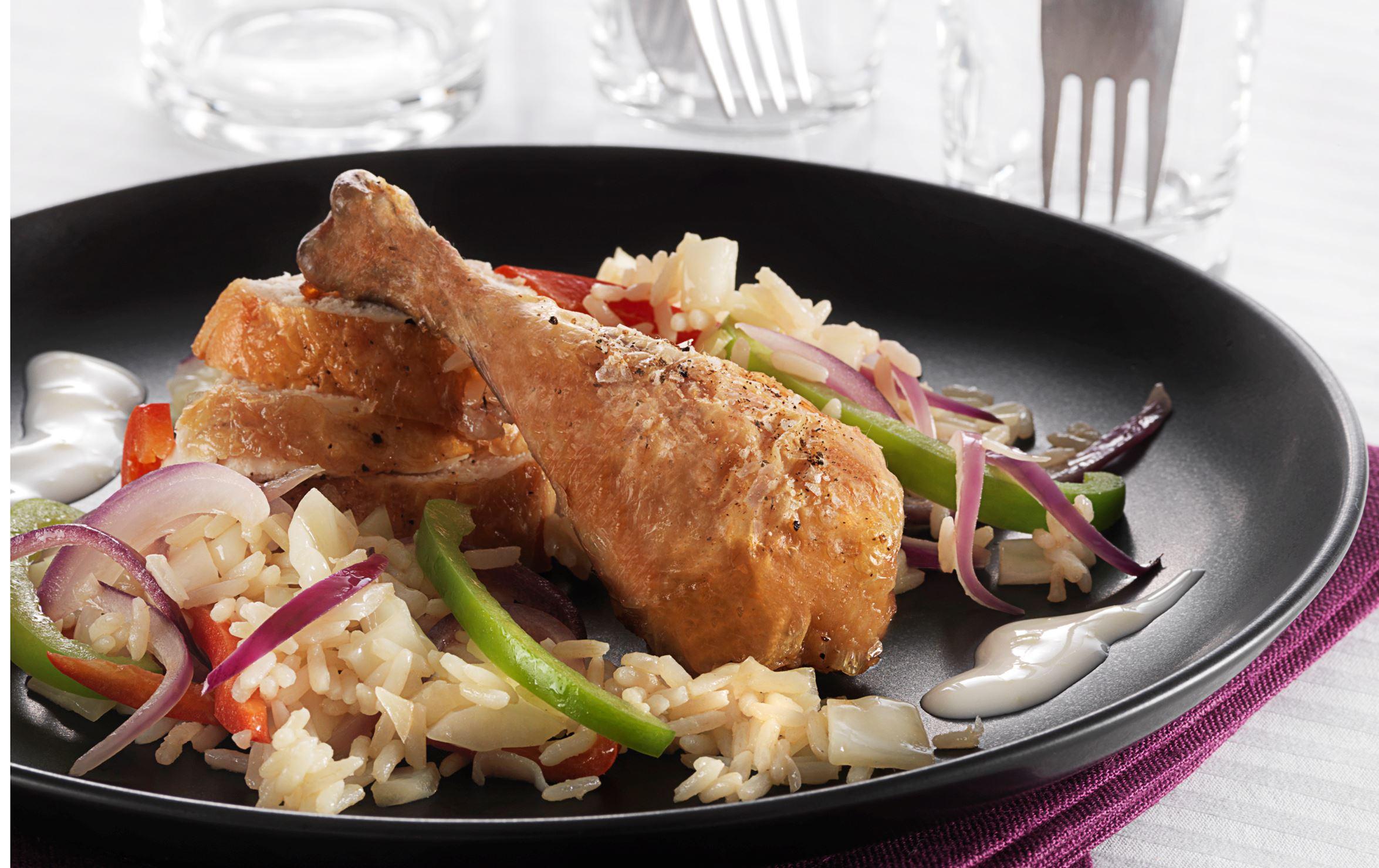 Sprødstegt kylling med grøntsagsris