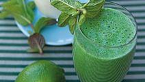 Grøn spinatdrik med ingefær