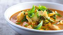 Tomatsuppe med torsk og basilikum