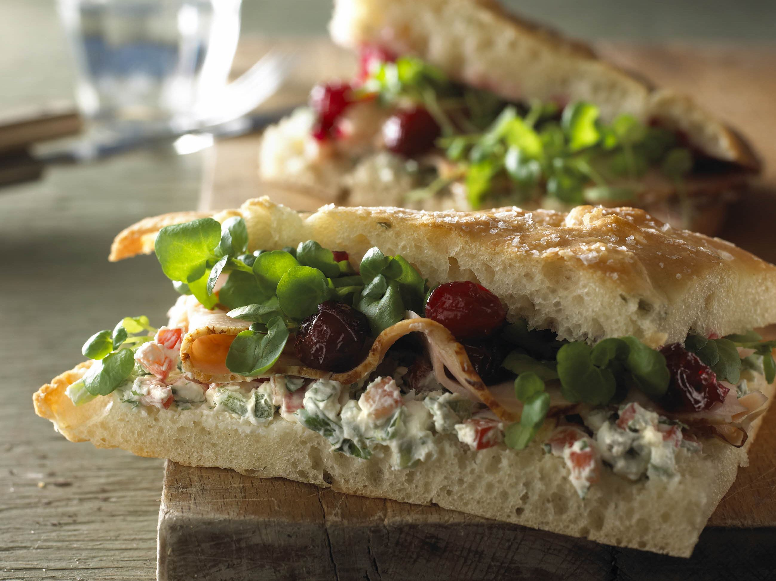 Sandwich med kalkun og tranebær