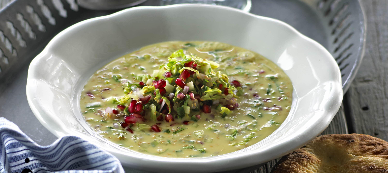 Krydret suppe med sprød salat