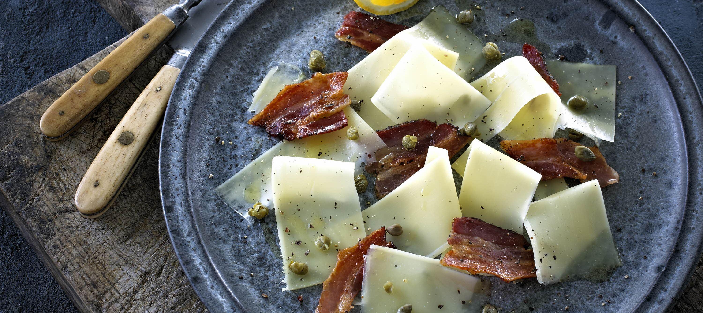 Ostecarpaccio med bacon