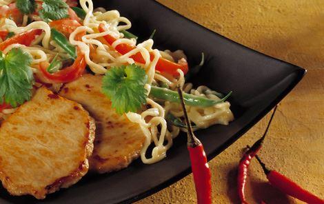 Chili- og ingefærsauce til nudler og skinkemignon