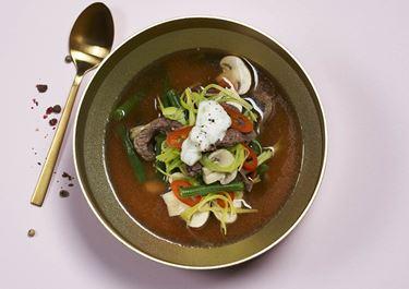 Thaisuppe og ingefærcreme