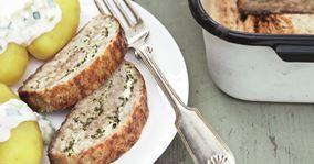 Græsk farsbrød og agurkesalat