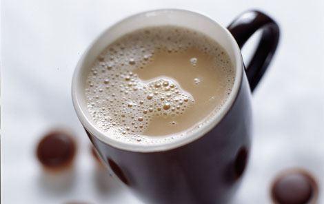 Kaffe med karamelmælk
