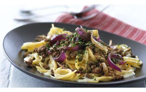 Krydret oksekød på spaghetti