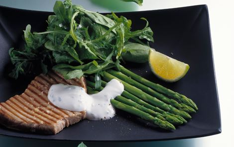 Seared tun med pebermyntedressing