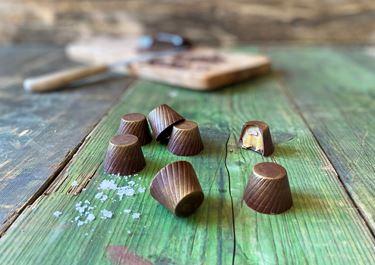 Fyldte chokolader med saltkaramel