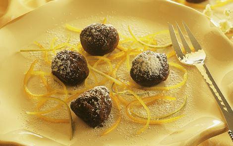 Chokoladetrøfler med citrusstrimler