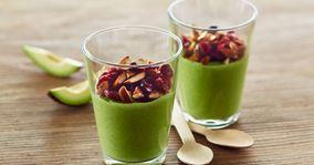 Grøn smoothie bowl med tranebærtopping