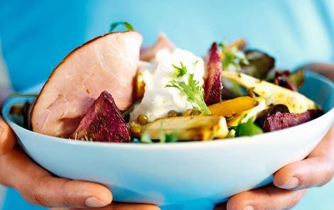 Salat med ristede rodfrugter og skinke