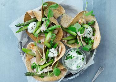 Tacos med kylling og aspargessalat