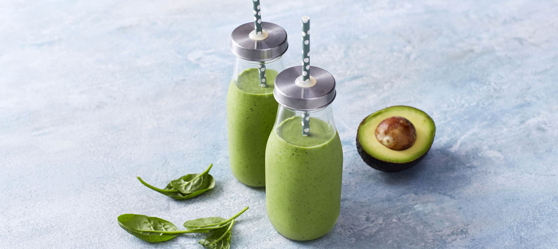 Grøn smoothie med avocado, broccoli og spinat
