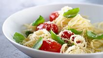 Pasta med basilikum og ost