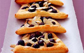 Croissantsnitter med blåbær
