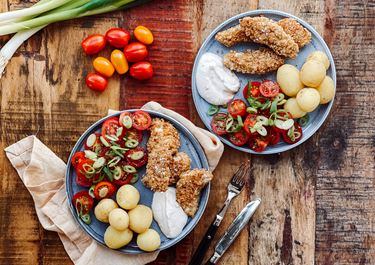 Kyllingenuggets med sprød salat