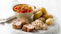 Mørbrad med sursød salat og hytteost