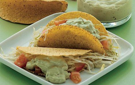 Tacoskaller med avocadodressing